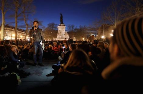 """Nuit Debout"", a Parigi torna la Comune"